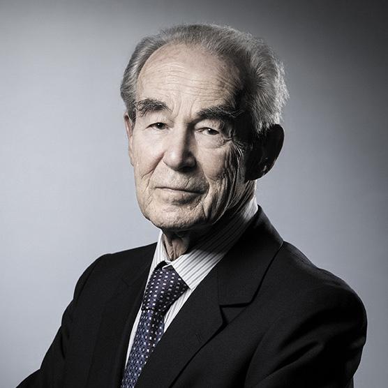 Robert Badinter, Président du Conseil     constitutionnel de 1986 à 1995 / Garde des Sceaux de 1981 à 1986