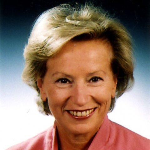 Portrait de Mme Jacqueline DE GUILLENCHMIDT