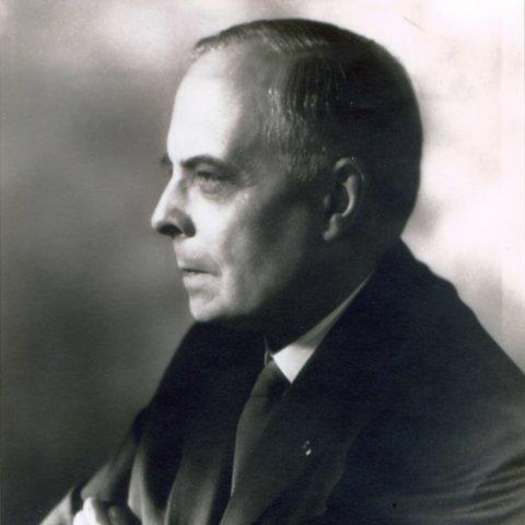 Portrait de M. Léon NOËL