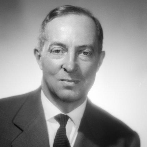 Portrait de M. Bernard Chenot
