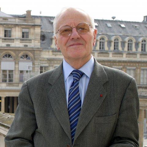 Portrait de M. Pierre Mazeaud