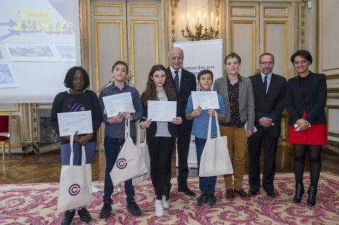 Remise des prix du concours «Découvrons notre Constitution»