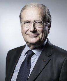 Portrait de M. Michel PINAULT